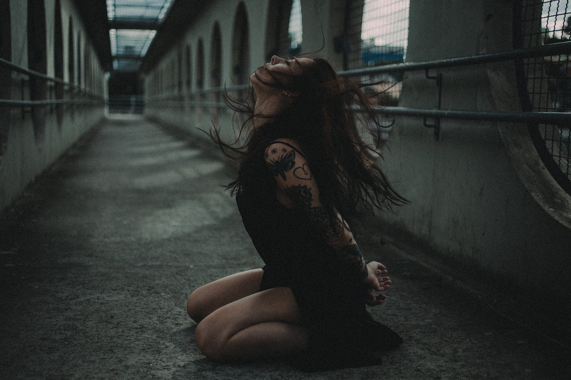 sexy person woman tattoo bridge style photoshoot capture street hairstyle