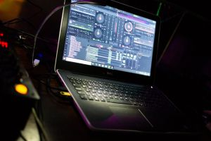 dj mixer laptop music