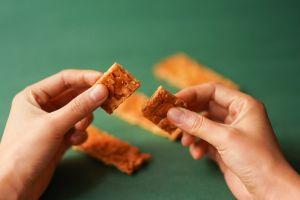 food sweets hands