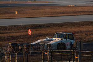 frankfurt airport airplane evening sun