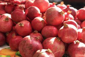 fruits red farmers market health san francisco sunlight pomegranate organic