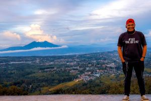 indonesia salak bogor wonderful indonesia puncak mountain jawa barat photo man photography