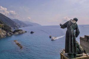 italy boats statue cinque terre blue sea summer