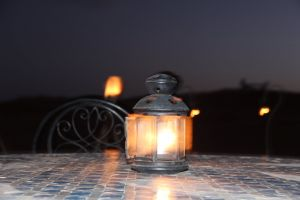 night bed hotel lamp videography naim benjelloun trt digital filmmaker architect arabic
