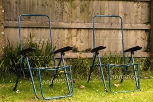product partner pair green chairs aesthetics naked blue garden