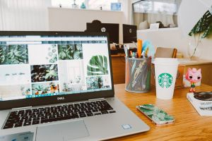 starbucks screen laptop desk
