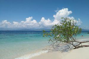 the gilis gili kondo sea blue sky beach lombok lombok island