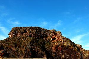 wallruins rebel panda medieval dunbar castle sky