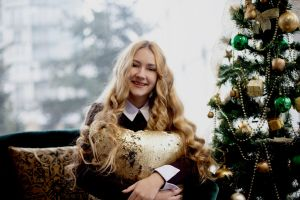 woman beauty smile christmas tree beautiful person smiling blond blonde