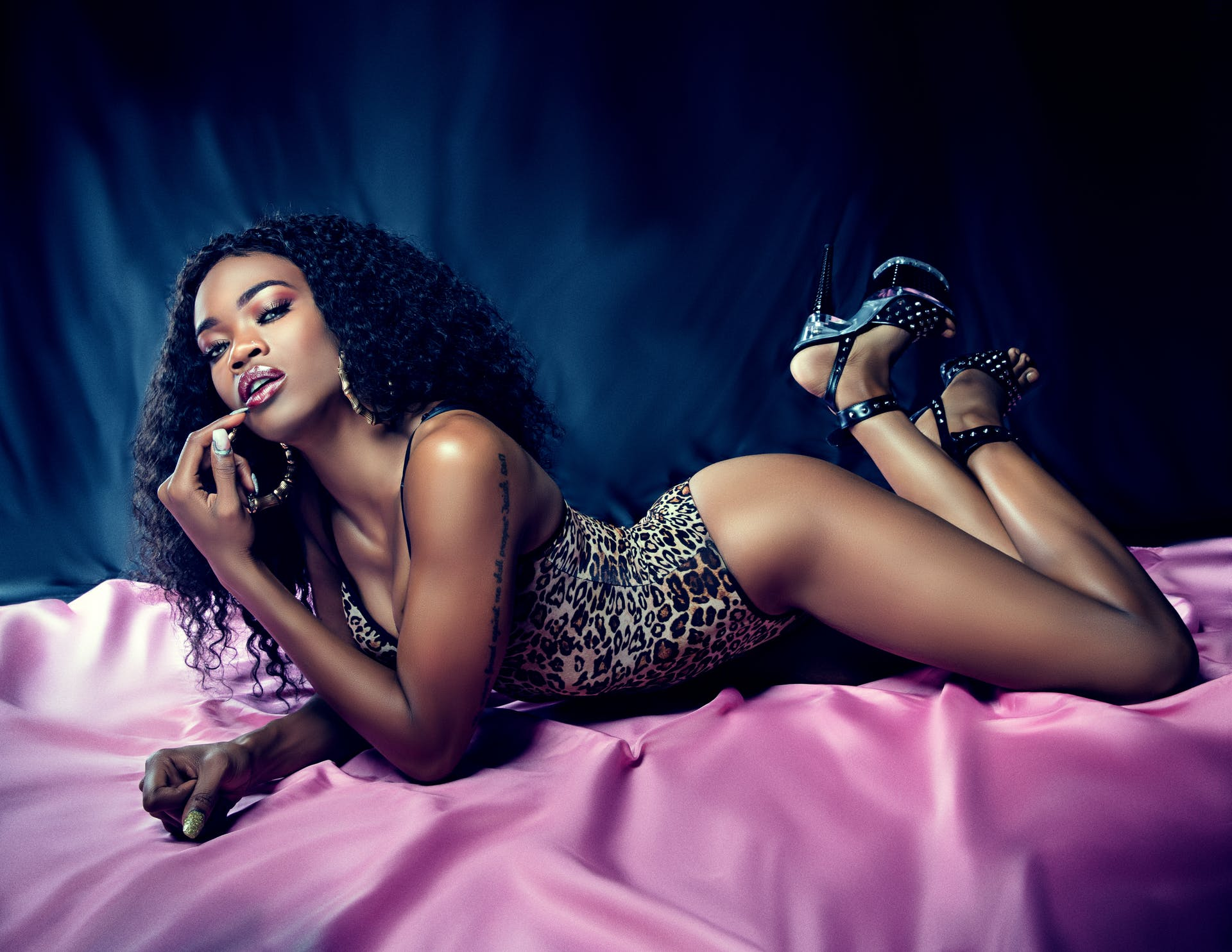 erotic woman beauty pretty beautiful photoshoot female bedroom indoors silk