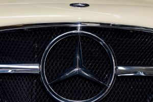 300 sl grill mercedes benz close up sports car badge chrome plated bonnet classic car car