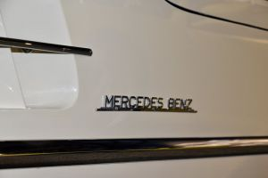300 sl wing sports car side vent low angle shot minimalism mercedes benz chrome plated transportation door