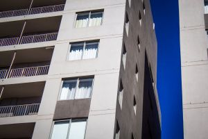 apartment 1300d windows white blue canon sky beach buidling modern architecture