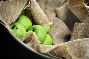 apples tasty fruit basket delicious fresh healthy colors food close-up green apples