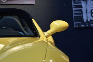 automobile wing mirror seat wing side view car 550 light reflection ferrari sports car
