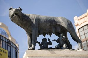 blue sky legend close-up view history urban touristic tits babies buildings romulus & remus