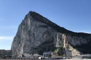 buildings rocky mountain daylight scenic mountain landscape