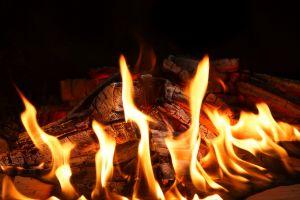 burn fire lagerfeuer brennhikz kamin feuersbrunst hot entzã¼ndlich wood brand