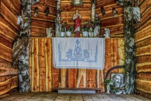 chapel ancient house of prayer architecture germany god wayside chapel small church monument figures