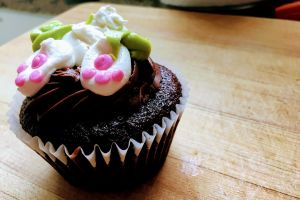 delicious close-up homemade cupcake goody baking baked food icing focus