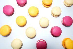 food macaroons sweets flatlay