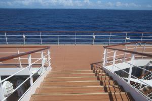 fun ship horizon boat cruise water minimalism deck ocean holiday