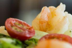 healthy lifestyle prawn eating healthy salad eating diet fresh vegetables healthy diet prawns fresh vegetable