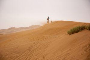 hill desert summer gray sky sand dunes sunset dry beach adventure dawn