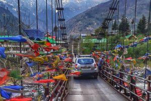 himalayas snow himachal hanging bridge manali bridge snow capped mountain mountains car