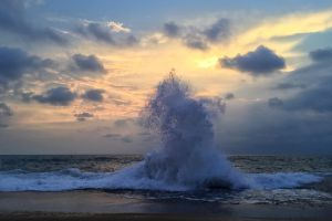 nature wallpaper nature nature photography free wallpaper landscape waves breaking sunset cloudy sky wave ocean