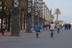 people crowd daylight walking