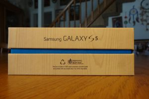 samsung galaxy s5 gs5 sgs5 side of box galaxy