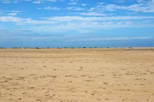 sand minimalism ocean holiday blue sky sea