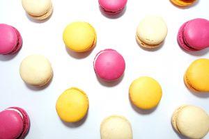 sweets macaroons food flatlay