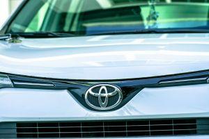 toyota style shiny close-up automotive automobile vehicle reflection design emblem