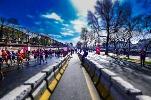 tuilerie blue sky marathon sky paris runners