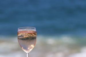 wine holiday drink cold ocean