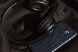 beats note 5 smart phone technology black samsung galaxy note 5 music adorable headphones