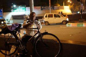 delhi night light repairing india bicycle street