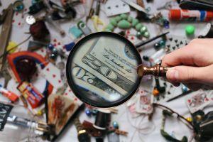 magnifying glass research close-up fun focus blur