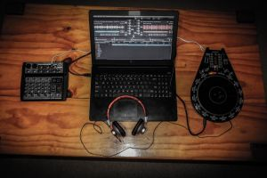 music laptop headphones