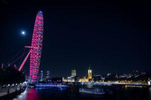 night big ben photo long exposure coca cola lights dark london eye bridge london