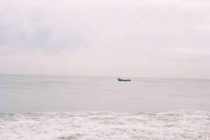 ocean skylight boat horizon by the sea