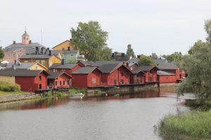 puutaloja suomi summer porvoo city finland colorful houses kaupunki maisema