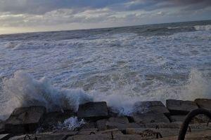smash sea sky waves rocks blue clouds water