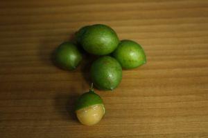 spanish lime birds eye sweet fruit guinep citrus fruit mamon wood quenepa food genip