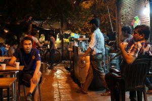 street lights delhi night light nightlife street street food india