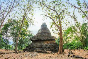 structure architecture temple chapel asian park ancient world tourism wat