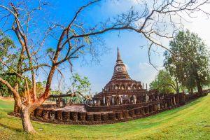 tourism unesco statue lom stupa buddhism structure exotic satchanalai building