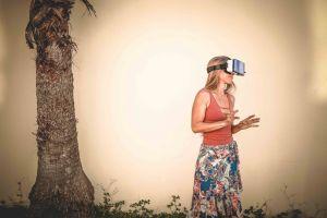 virtual reality wear lady fashion fashionable girl female woman virtual reality headset person